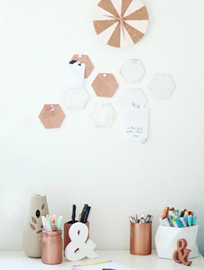 Hexagon-Pinnwand & DIY-Uhr aus Kork