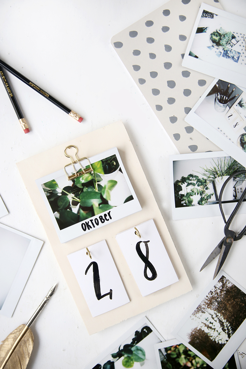 diy schreibtisch kalender mit instax fotos selbstgemacht. Black Bedroom Furniture Sets. Home Design Ideas