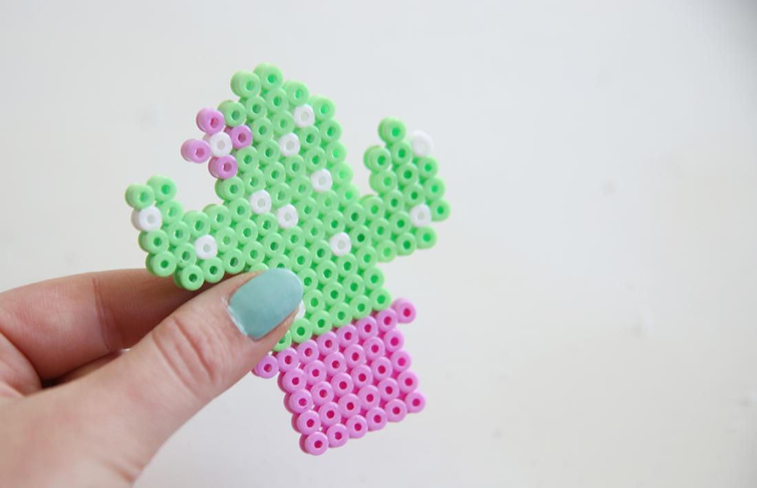 Hervorragend Kreative DIY-Kaktus-Kette aus Bügelperlen selbstgemacht OT08