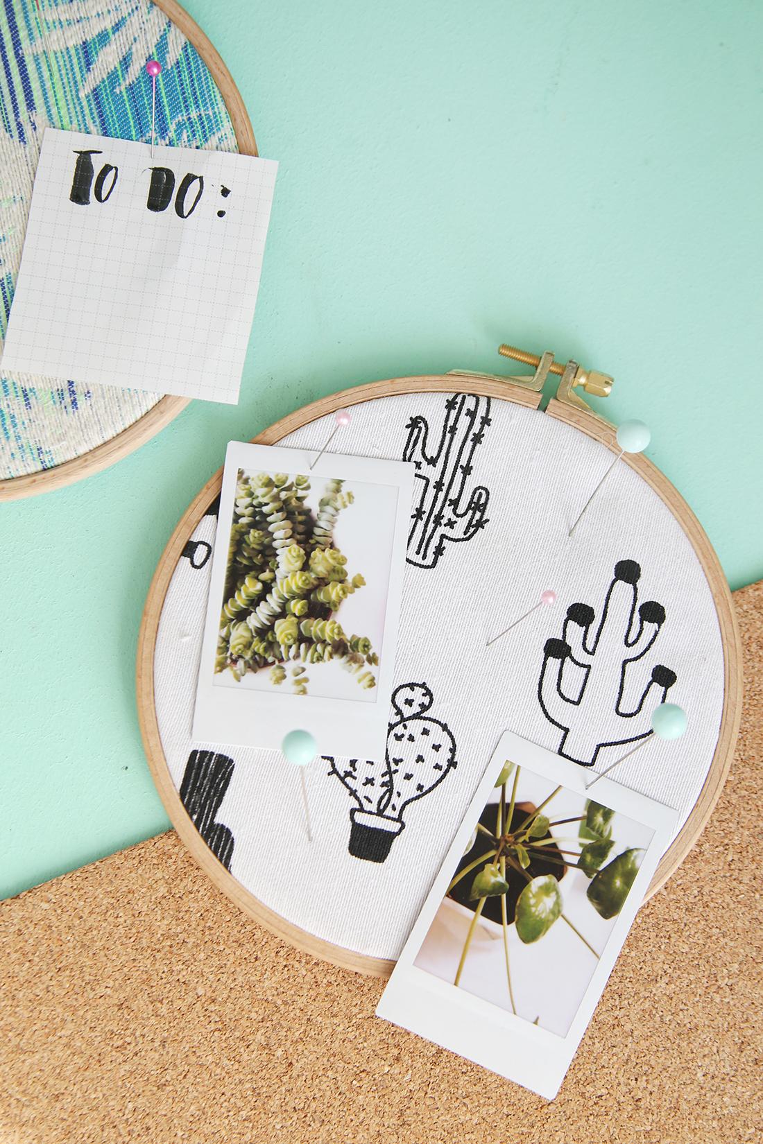 diy challenge stoff kork stoff pinnwand aus stickrahmen mein feenstaub. Black Bedroom Furniture Sets. Home Design Ideas