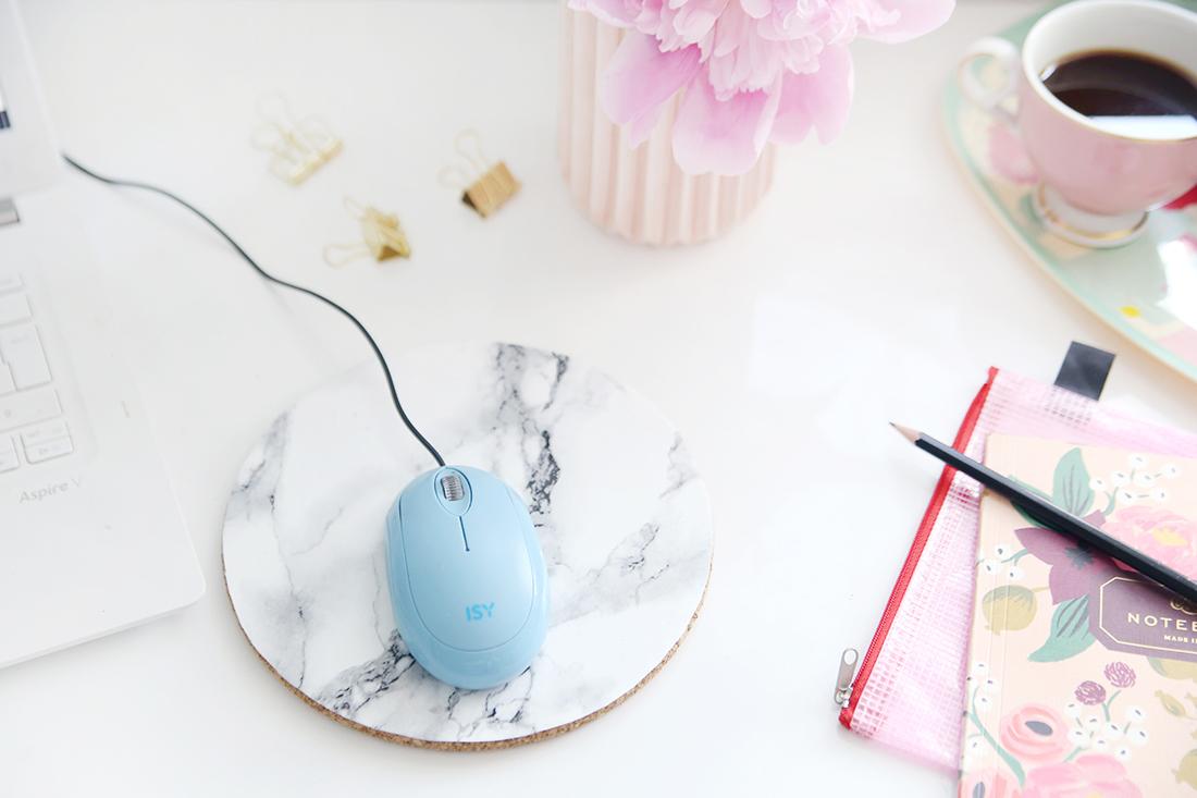 Kreative DIY-Idee zum Selbermachen: Mauspad mit Kork und Marmor-Folie, DIY-Blog