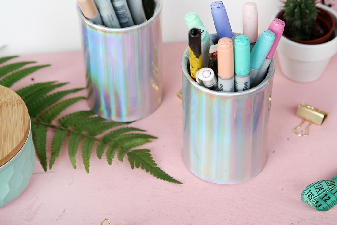 DIY Stiftedosen mit Hologramm-Effekt - Upcycling aus Konservendosen