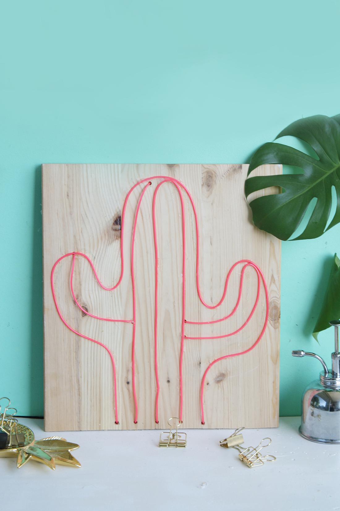 DIY Kaktus Neonschild selbermachen