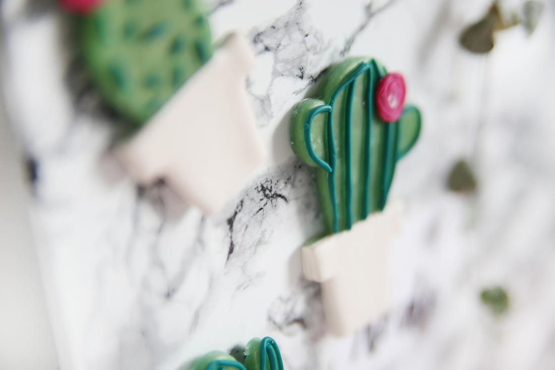 diy kaktus magneten aus fimo und marmor magnetwand mein feenstaub. Black Bedroom Furniture Sets. Home Design Ideas