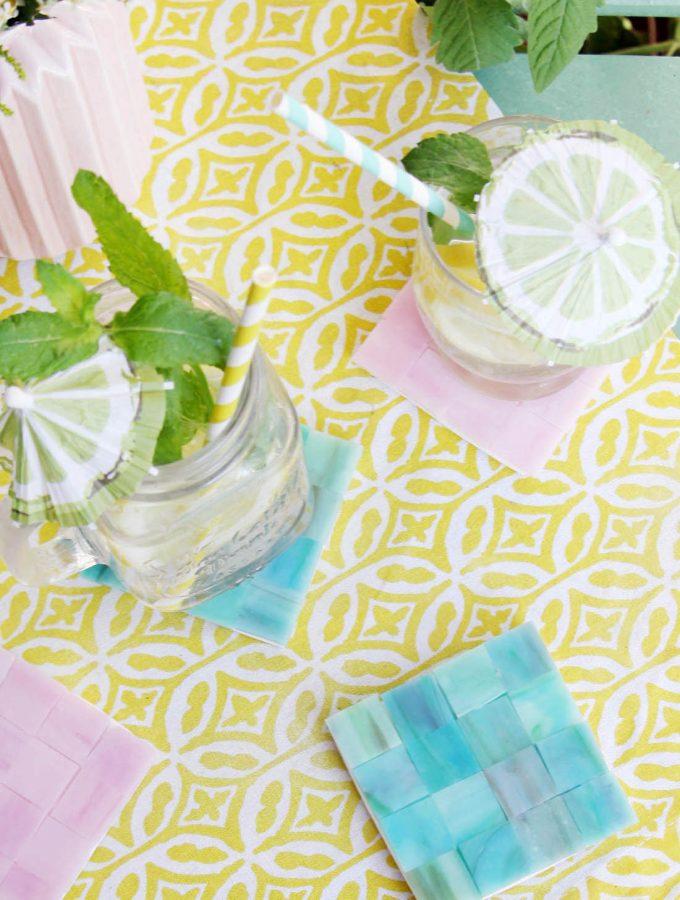 {DIY Challenge} Glas & Beton – DIY Mosaik-Untersetzer selbermachen