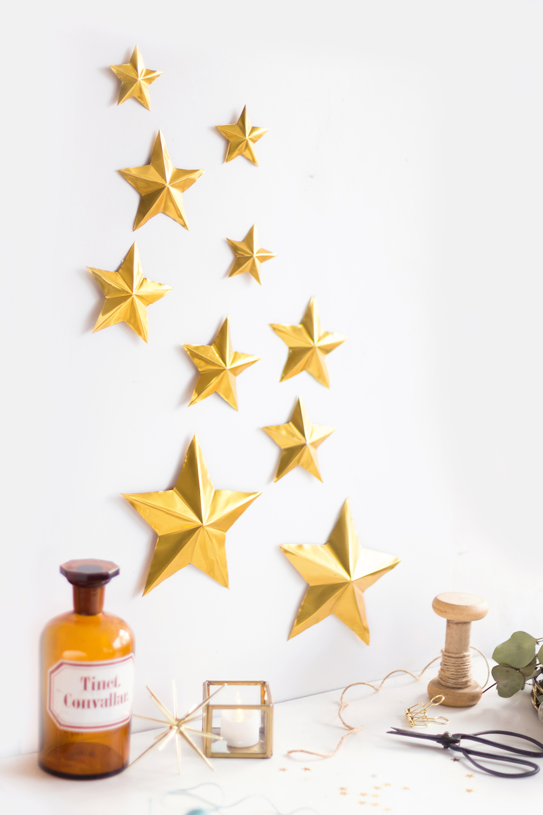 DIY Sternendeko aus Prägefolie | Create yourself a merry little ...