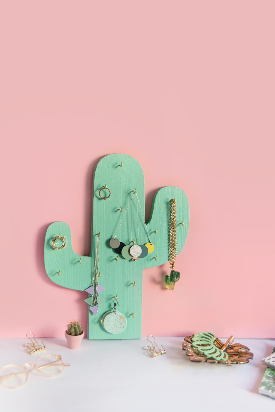 Diy schmuckhalter kaktus aus holz selbermachen mein feenstaub - Schmuckhalter basteln ...