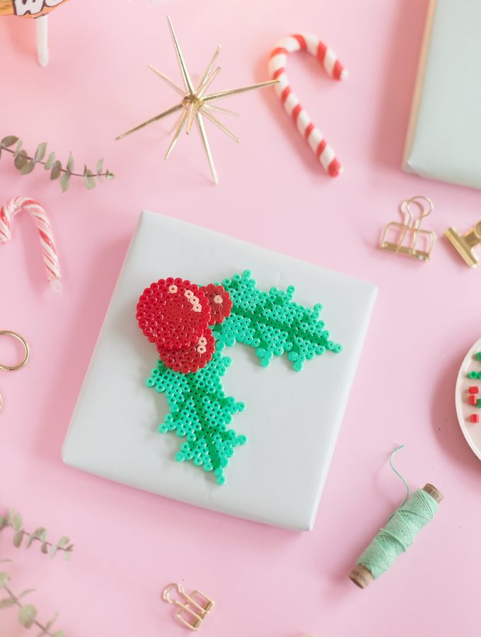 DIY: Geschenkanhänger aus Bügelperlen | Create yourself a merry little Christmas
