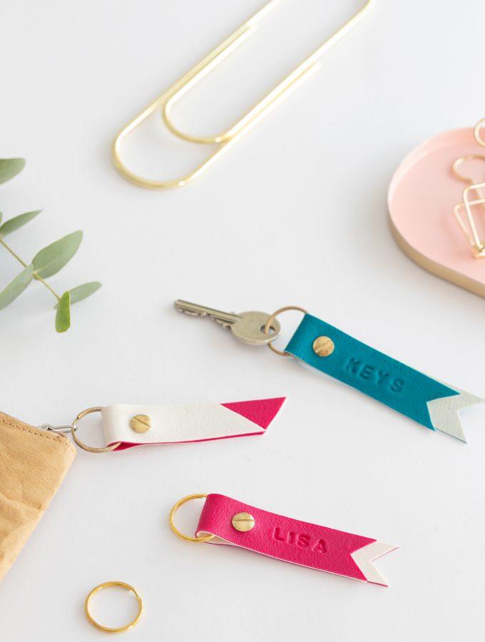DIY Schlüsselanhänger mit Namen | aus FIMO Leather-Effect