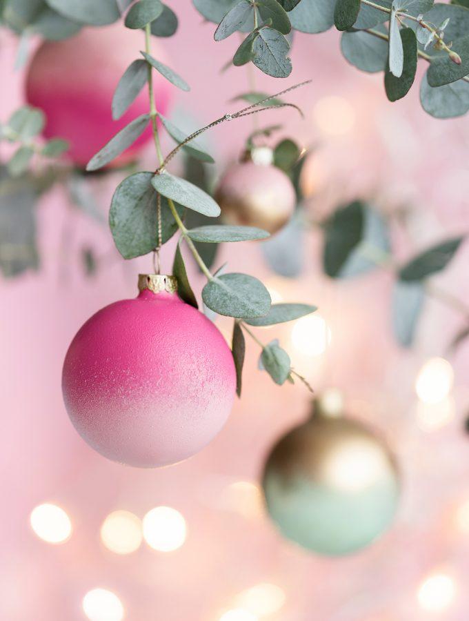 diy-weihnachtskugeln-selbermachen-farbverlauf-1-2