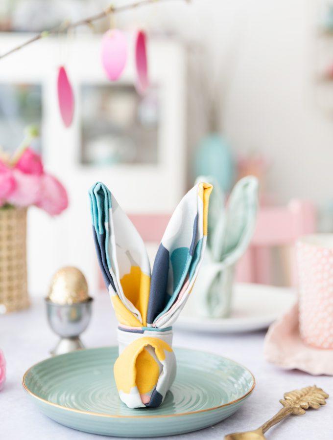 DIY: Osterhasen aus Serviette falten   Spoonflower & Wayfair-Event