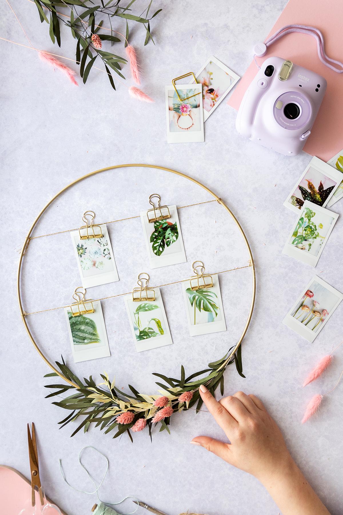 DIY Blumenkranz mit Sofortbildern und Trockenblumen gestalten ...