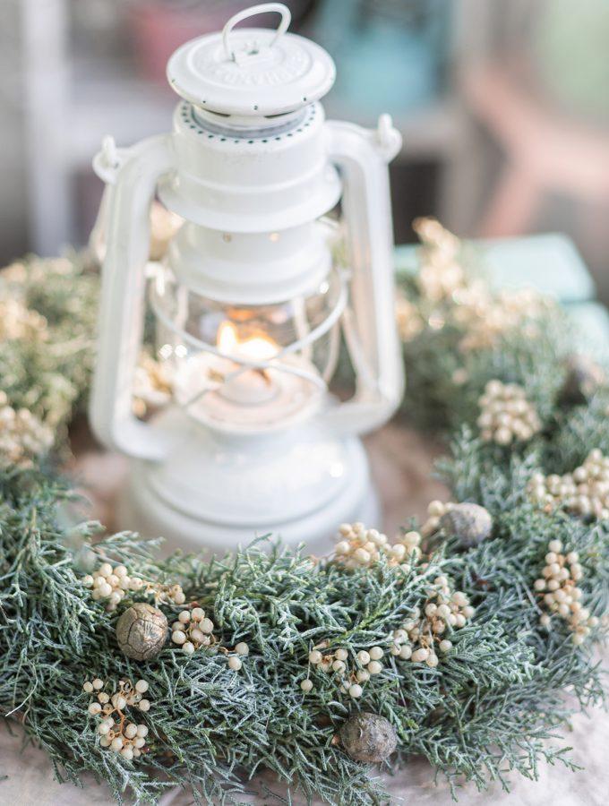 DIY-kranz-mit-laterne-basteln-winterkranz-weihnachtskranz-14